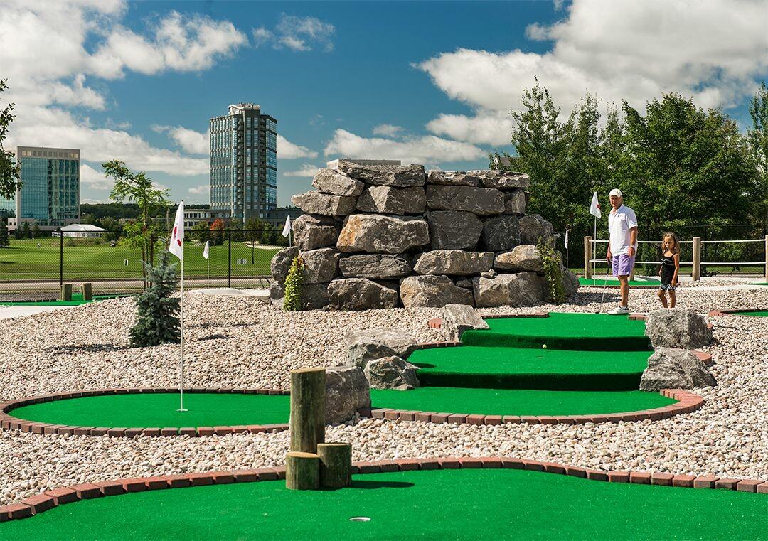 Blackbird Falls Putting Course - Ottawa's Best Mini Putt